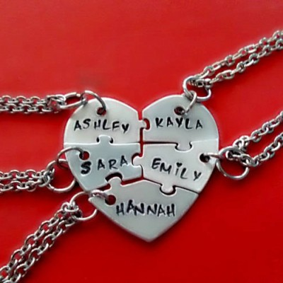 Five Heart puzzle piece necklace, 5 piece puzzle set, 5 Best Friends puzzle necklace set, Hand Stamped Names Necklace, Bridesmaid Jewelry
