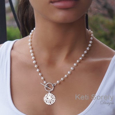 Pearl Necklace with Monogrammed Initials & Toggle Clasp - Personalized Pearl Necklace, Toggle Neckalce, Sterling Silver, Yellow or Rose Gold