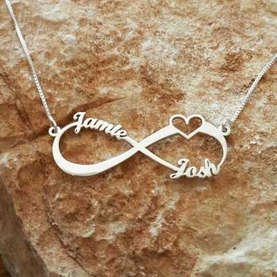 Silver Infinity Love necklace / Wedding Gift / Heart Pendant / Bridal Shower Gift / family name necklace / Heart Necklace Sign of infinity