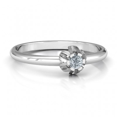 Solitaire Gemstone Personalised Ring in a Scalloped Setting  - AMAZINGNECKLACE.COM