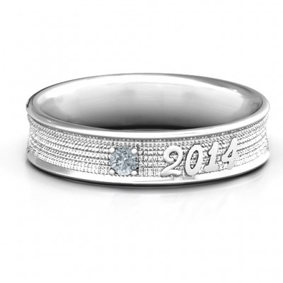 Sterling Silver 2014 Unisex Textured Graduation Personalised Ring with Emerald Stone  - AMAZINGNECKLACE.COM