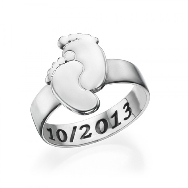 Engraved Baby Feet Personalised Ring - AMAZINGNECKLACE.COM