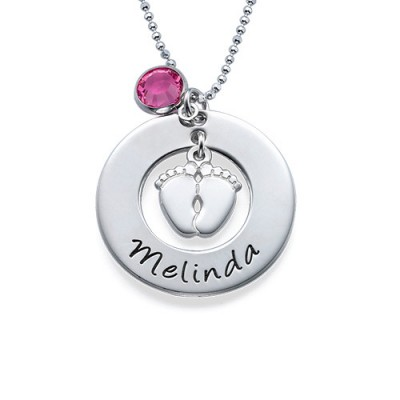 New Mum Personalised Necklace with Baby Feet - AMAZINGNECKLACE.COM
