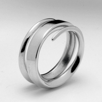 18ct White Gold Full Spiral Personalised Ring - AMAZINGNECKLACE.COM