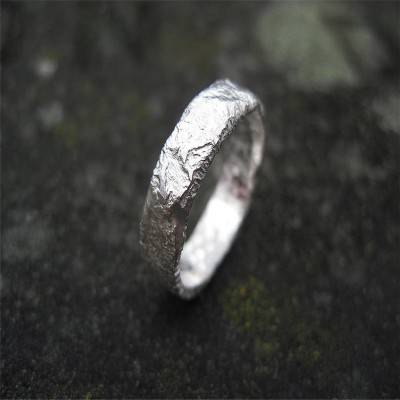 Rocky Outcrop Slim Personalised Ring - AMAZINGNECKLACE.COM