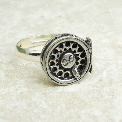 Fly Fishing Reel Personalised Ring Antiqued Pewter - AMAZINGNECKLACE.COM