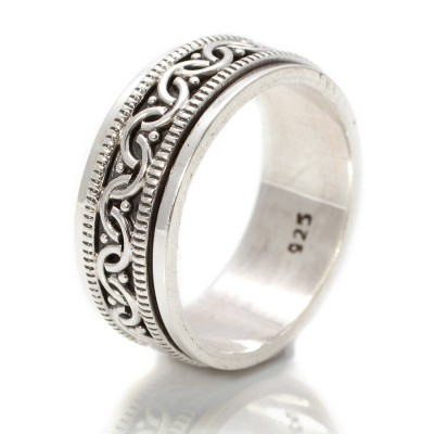 Celtic Spinning Personalised Ring - AMAZINGNECKLACE.COM