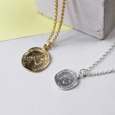 Coin Personalised Necklace - AMAZINGNECKLACE.COM