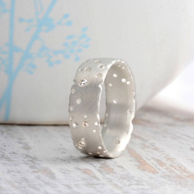 Diamond 18ct White Gold Personalised Ring - AMAZINGNECKLACE.COM
