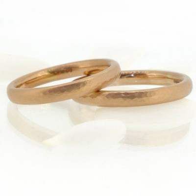 Hammered Comfort Fit Wedding Personalised Ring, 18ct Gold - AMAZINGNECKLACE.COM