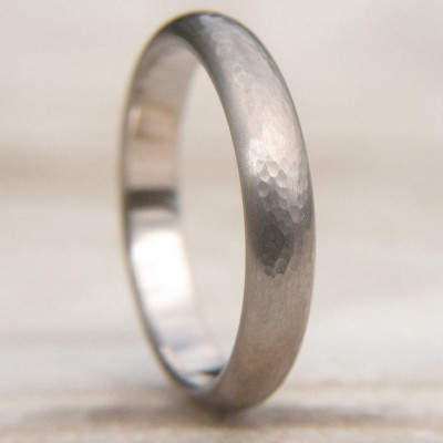 Hammered Wedding Personalised Ring In 18ct White Gold - AMAZINGNECKLACE.COM