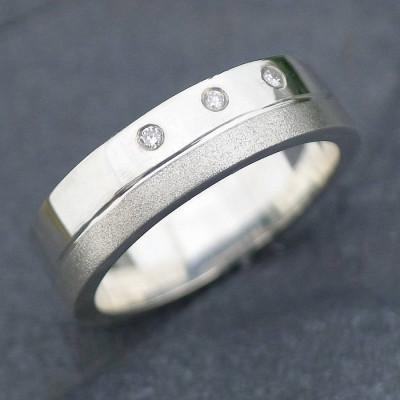 18ct Gold Handmade Mens Chunky Diamond Personalised Ring - AMAZINGNECKLACE.COM
