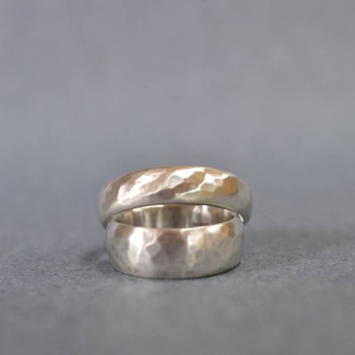 Handmade Silver Wedding Personalised Ring With Hammered Finish - AMAZINGNECKLACE.COM