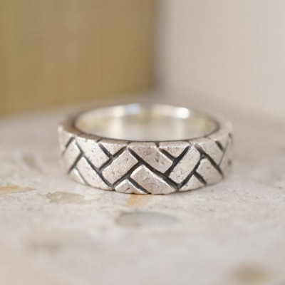 HerPersonalised Ringbone Brick Silver Personalised Ring - AMAZINGNECKLACE.COM