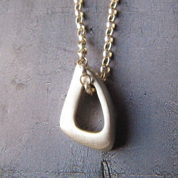Infinity Triangle Personalised Necklace - AMAZINGNECKLACE.COM