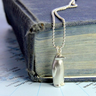 Penguin Personalised Necklace - AMAZINGNECKLACE.COM