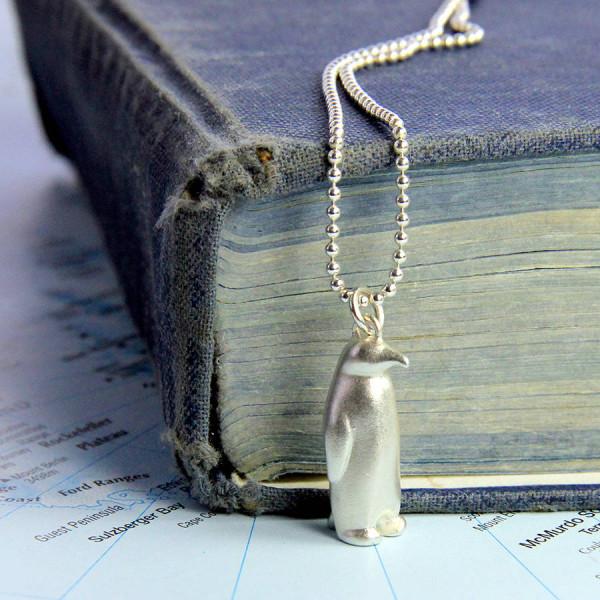 Penguin Personalised Necklace - AMAZINGNECKLACE.COM