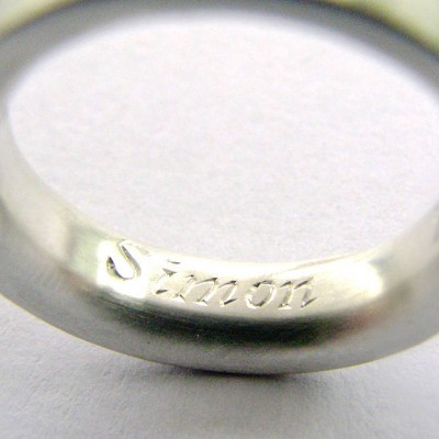 Medium Sterling Silver Personalised Ring - AMAZINGNECKLACE.COM