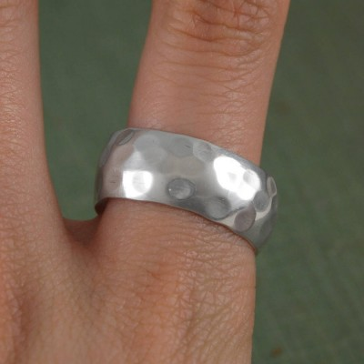 Mens Hammered Sterling Silver Personalised Ring - AMAZINGNECKLACE.COM