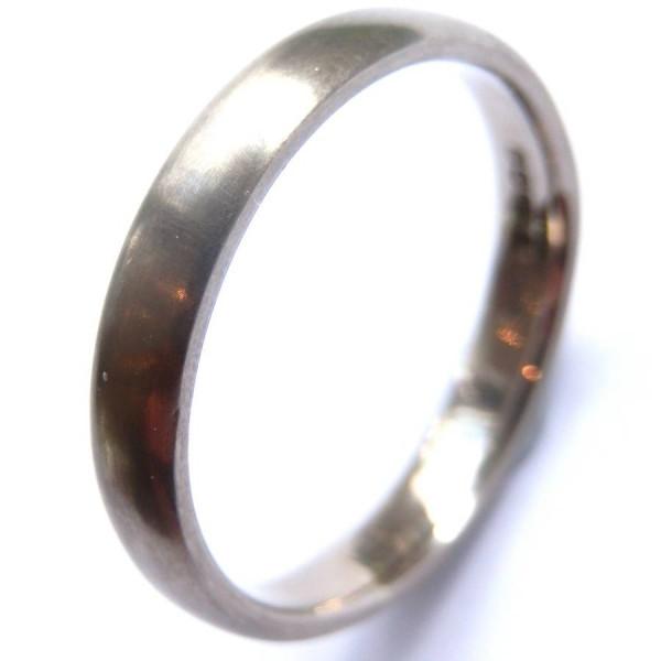 Mens 18ct White Gold Wedding Personalised Ring - AMAZINGNECKLACE.COM
