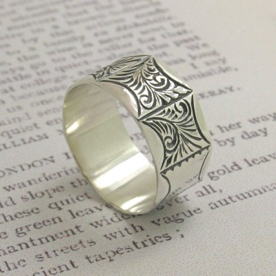 Mens Victorian Style Personalised Ring - AMAZINGNECKLACE.COM