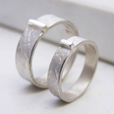Personalised Contemporary His And Hers Rings - AMAZINGNECKLACE.COM