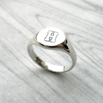 Personalised Round Initial Silver Signet Ring - AMAZINGNECKLACE.COM