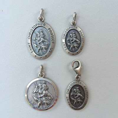 Personalised Silver St Christopher Charm - AMAZINGNECKLACE.COM