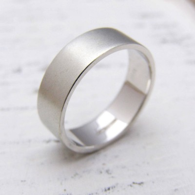 Personalised 18ct White Gold Wedding Ring - AMAZINGNECKLACE.COM