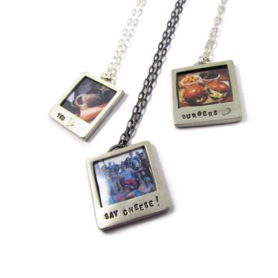 Personalised Silver Polaroid Necklace - AMAZINGNECKLACE.COM
