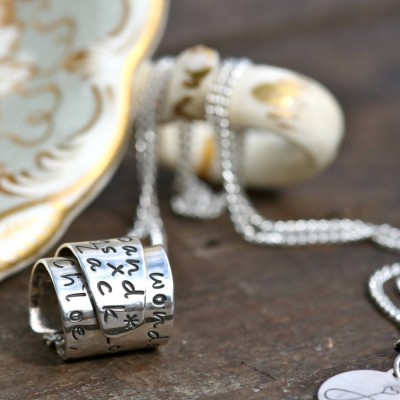 Personalised Silver Scroll Necklace - AMAZINGNECKLACE.COM