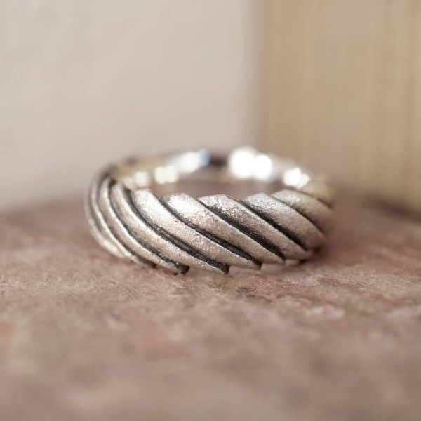 Shell Personalised Ring - AMAZINGNECKLACE.COM