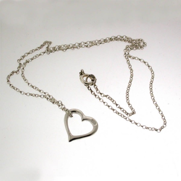 Valentines Silver Heart Personalised Necklace - AMAZINGNECKLACE.COM