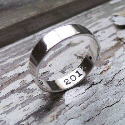Silver Personalised Ring - AMAZINGNECKLACE.COM