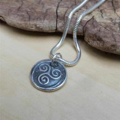 Triskelion Mens Silver Personalised Necklace - AMAZINGNECKLACE.COM