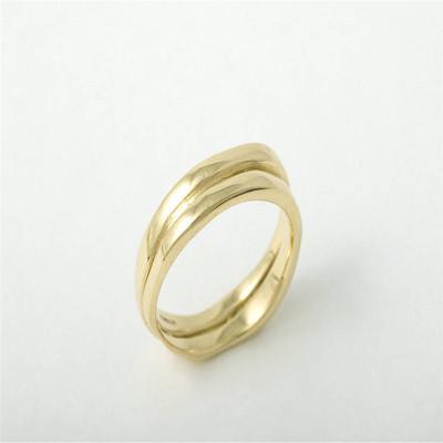 18ct Gold Wedding Personalised Ring - AMAZINGNECKLACE.COM