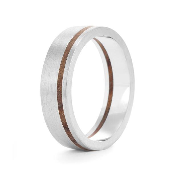Wood Personalised Ring Hulu - AMAZINGNECKLACE.COM